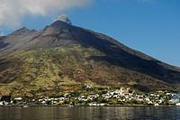 Eruption, Stromboli Volcano, Stromboli Island, Aeolian or Lipari Islands, Tyrrhenian Sea, Sicily, South Italy, Italy, Europe
