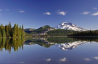 USA, Oregon, South Sister Volcano, Sparks Lake