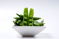 Sugar peas on an Asian plate