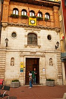 Pilgrims hostel, former pilgrims hospital of Santiago and Santa Catalina, Way of St James, Burgos. Castilla-Leon, Spain