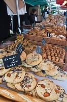 Bread stall at the Italian market at Walton_on_Thames, Surrey, England, United Kingdom, Europe