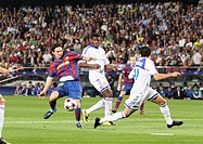 Barcelona, Camp Nou Stadium, 29/09/2009, UEFA Champions League, FC Barcelona vs. FC Dynamo Kyiv, Leo Messi and Ayila Yussuf
