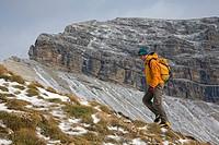 Climbing in the Dolomites near the Grodener and Selva Passes, Wolkenstein. Alto Adige, Italia