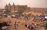 Market day at the Djenne mosque,Mali