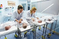 Nurses and newborn babies, child-care unit, pediatrics. Hospital Policlinica Gipuzkoa, San Sebastian, Donostia, Euskadi, Spain