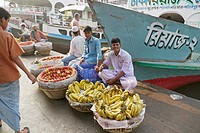 Main boat jetty, fruit sellers, Buriganga River, Dahka, Bangladesh