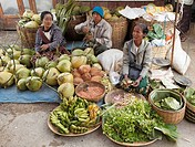 Myanmar, Burma, Nyaungshwe, market, people, food,