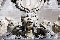 Italy, Rome, Piazza della Rotonda, Fountain, close up