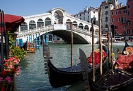 Italy, Venice, Gondola, Rialto bridge in foreground