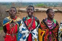 Masai women singing, Masai Mara, Kenya, East Africa, Africa