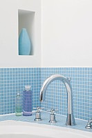 Faucet of bathtub (thumbnail)