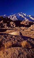 USA, California, Alabama Hills, Mount Whitney