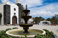 SAN BARTOLOME LANZAROTE Main square fountain and Canarian parish church
