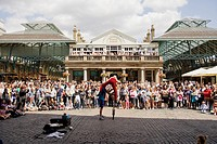 Street Entertainer, Covent Garden Market, Covent Garden, London, England