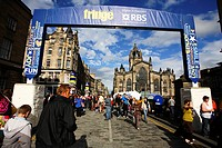 Scotland, Midlothian, Edinburgh, Saint Gile's Cathedral and The Royal Mile in the Old Town of Edinburgh during the Fringe Festival