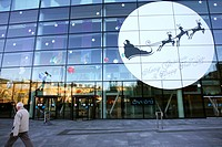 Scotland, City of Edinburgh, Edinburgh, The glass exterior of the Omni entertainment complex at Christmas in Leith Walk