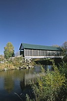 Covered-bridge-Drouin, Québec, Canada