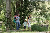 FAMILY PROMENADE ON THE BANKS OF THE AIGRE, LA FERTE_VILLENEUIL, EURE_ET_LOIR 28, FRANCE