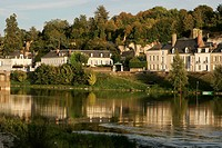 THE BANKS OF THE LOIRE, AMBOISE, INDRE_ET_LOIRE 37, FRANCE