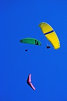 GLIDER AND PARAGLIDERS IN FLIGHT, CHAMONIX, HAUTE_SAVOIE 74, FRANCE