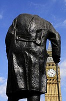 Statue of Sir Winston Churchill and Big Ben, Parliament Square, Westminster, London, England, UK