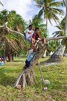 Kids on Woja Island, Ailinglaplap Atoll, Micronesia, Pacific Ocean, Marshall Islands