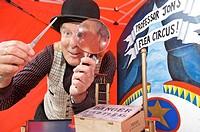 Professor Jon´s flea circus show