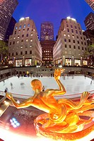 Ice Skating Rink below the Rockefeller Centre, Fifth Avenue, New York City, New York, United States of America, North America