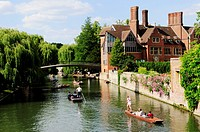Punting on The River Cam by the Jerwood Library at Trinity Hall College, Cambridge, England, UK