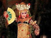 Indonesia, Bali, Ubud, classical dancer, Ramayana ballet performance,