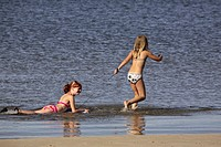 end, girls, southeast, water, playing, two