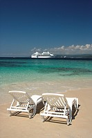 Dominican Republic, Bay of Samana, Cayo Levantado, island, beach, lounge chairs, ocean, cruise ship