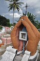 Dili (East Timor): grave at the Santa Cruz cemetery
