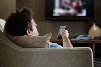 Man watching TV (thumbnail)