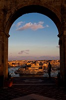 Evening glow at Vittoriosa, Fort Saint Angelo, view from the Upper Barrakka Gardens, Valletta, Malta, Europe