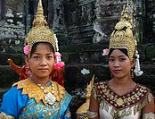 Ladies posing in Bayon temple, Angkor Wat