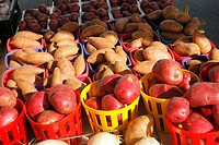 Red Potatoes and Sweet Potatoes at Farmer´s Market