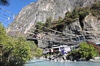 Annapurnas circuit bridge