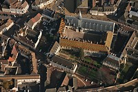 AERIAL VIEW OF BEAUNE TOWN CENTRE, HOSPICES DE BEAUNE, COTE D´OR 21, FRANCE