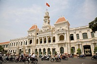 Hotel De Ville Peoples Committee Building and Ho Chi Minh statue, Ho Chi Mingh City, Vietnam