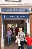 The Packhorse Court shopping centre at Keswick , Cumbria , England , Great Britain , Uk