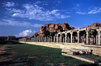 The Vitthala temple's bazaarmarket in Hampi 16th century, Karnataka  The construction of this temple started during the reign of King Krishna Deva Ray...