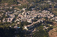Valldemossa, la Cartoixa in the center, Mallorca, Balearic Islands, Spain
