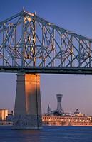 Canada, Quebec, Montreal, J. Cartier bridge