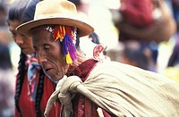 Peru, Urubamba Valley: man at Pisq market