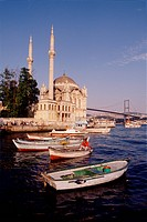 Turkey, Istanbul,Ortakoy mosque on the Bosphorus