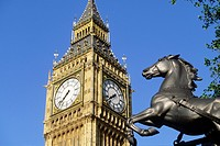 UK, England, London. The Big Ben and monument to Queen Boadicea