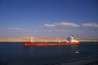 Egypt, Sinai Peninsula, Shipping in Suez canal