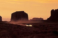 USA, Arizona, S.W. Desert, The Buttes: car through the Monument Valley