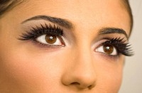 Close up of woman´s eye wearing false eyelashes